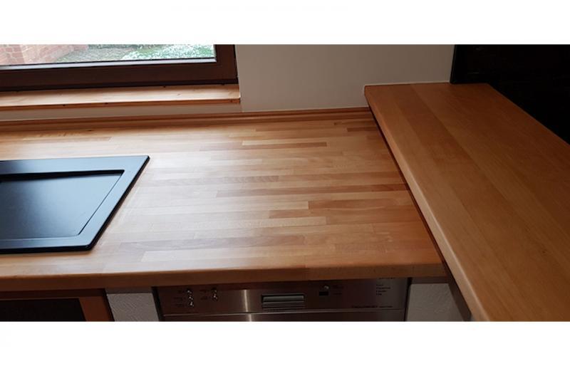 Neue Küchenarbeitsplatte in Buche massiv, geölt