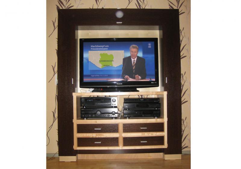 Fernsehschrank, kanadischer Ahorn und dunkles Wenge-Holz